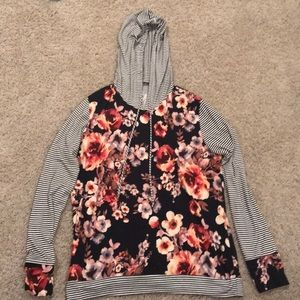 Tops - Floral and stripes sweatshirt